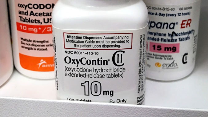 dt_190221_oxycontin_prescription_bottles_800x450